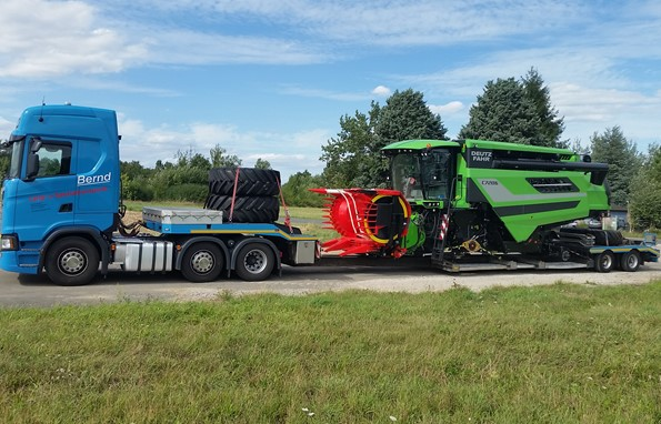 Land- & Forstmaschinentransport